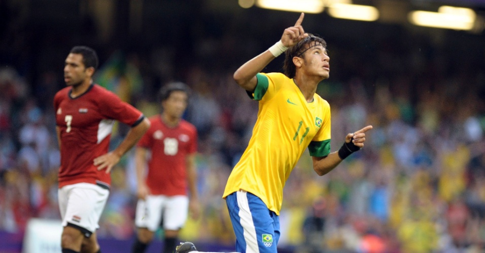Atacante Neymar comemora após marcar o terceiro gol brasileiro na partida contra o Egito, pelos Jogos de Londres