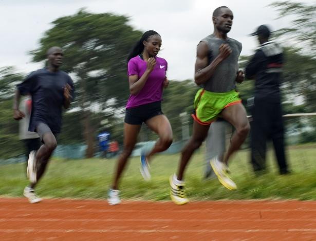 Campeã mundial indoor da prova dos 3000m, Helen Obiri treina com homens no Quênia