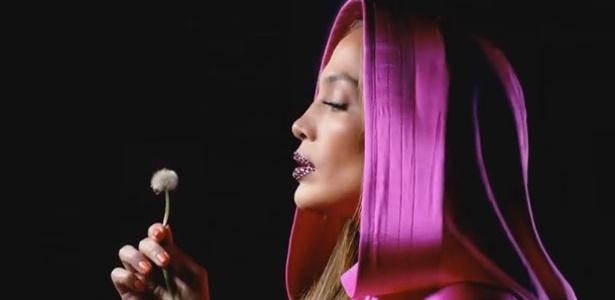 Jennifer Lopez em cena do clipe