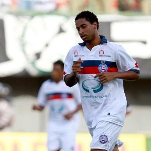 Ávine participa do jogo do Bahia diante do Ceará na Série A de 2011