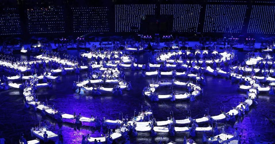 Cerimônia de abertura dos Jogos Olímpicos de Londres foi cheia de luzes