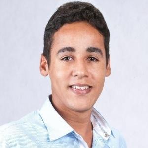 Elvson Teixeira de Melo, 20, de Traipu (AL), é o candidato mais jovem a disputar um cargo de prefeito