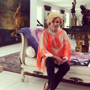 Hebe Camargo em sua casa, em São Paulo (27/7/12)