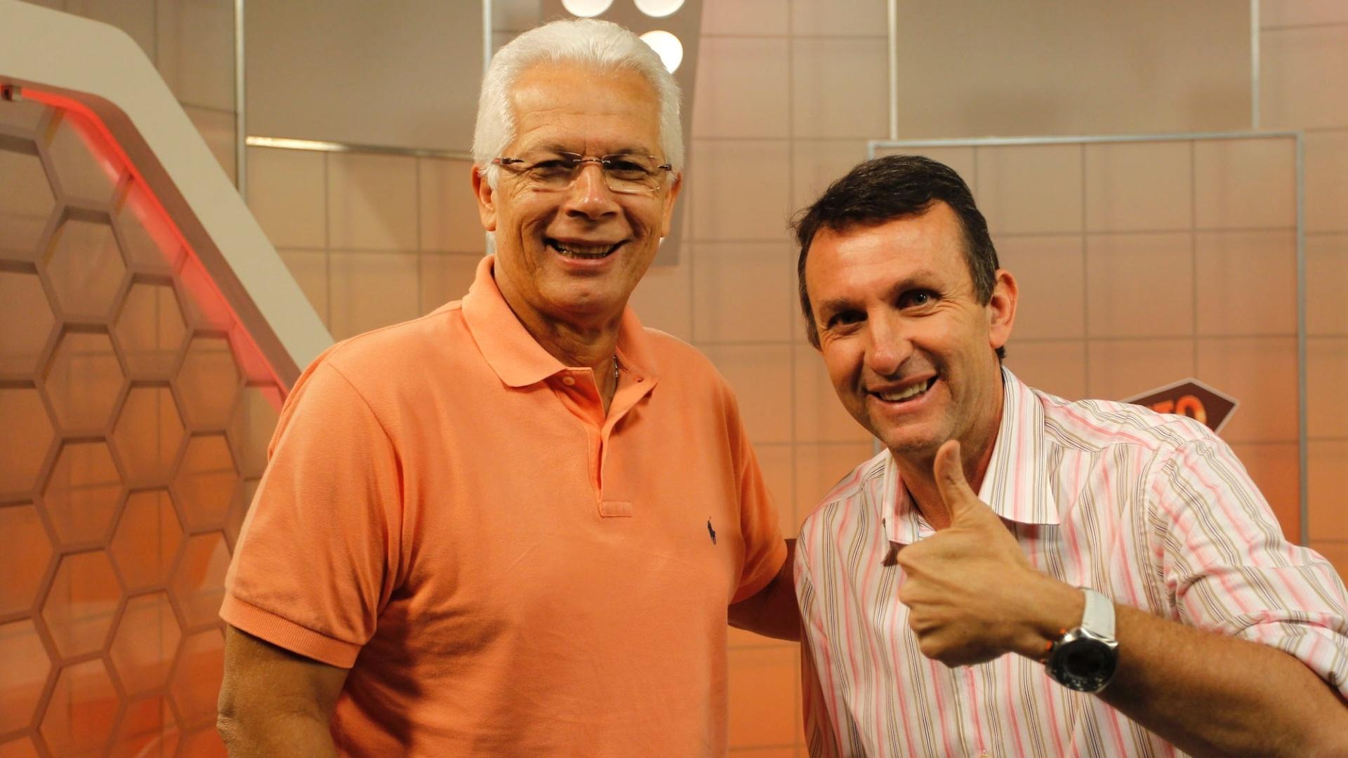 Neto recebe o ex-goleiro e técnico de futebol Leão no