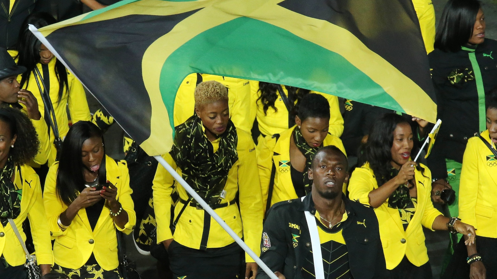 Velocista Usain Bolt lidera delegao da Jamaica durante desfile na cerimnia de abertura das Olimpadas