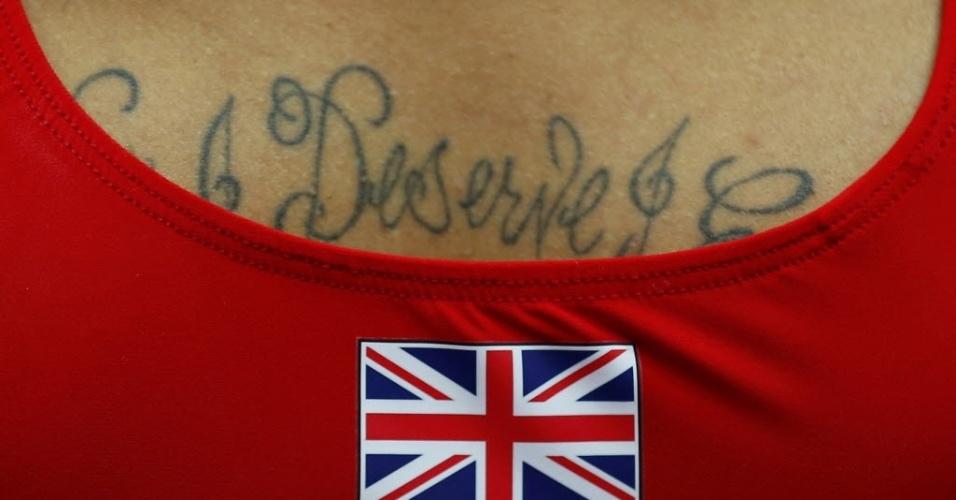 Ginasta britânico exibe tatuagem durante primeiro dia de disputas da modalidade em Londres