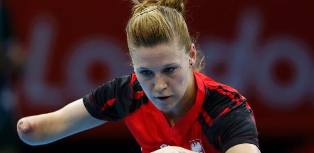 Mesa-tenista polonesa Natalia Partyka durante partida dos Jogos Olímpicos de Londres