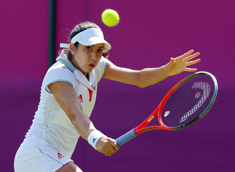 No jogo entre a norte-americana Christina Mchale (f) e a s&#233;rvia Ana Ivanovic, a igualdade dos vestidos tamb&#233;m chamou a aten&#231;&#227;o