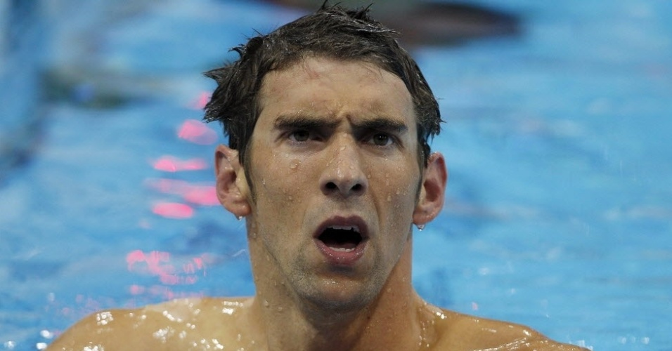 Phelps faz careta ao conferir resultado da prova dos 400 m medley nas Olimpadas de Londres