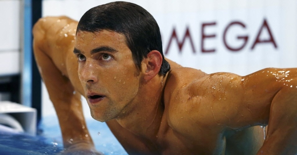 Phelps no esconde decepo ao sair da piscina aps ficar fora de pdio em Londres