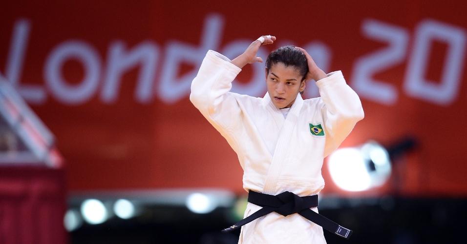 Sarah Menezes avançou à terceira rodada ao vencer a francesa Laetitia Payet com um yuko na categoria até 48 kg