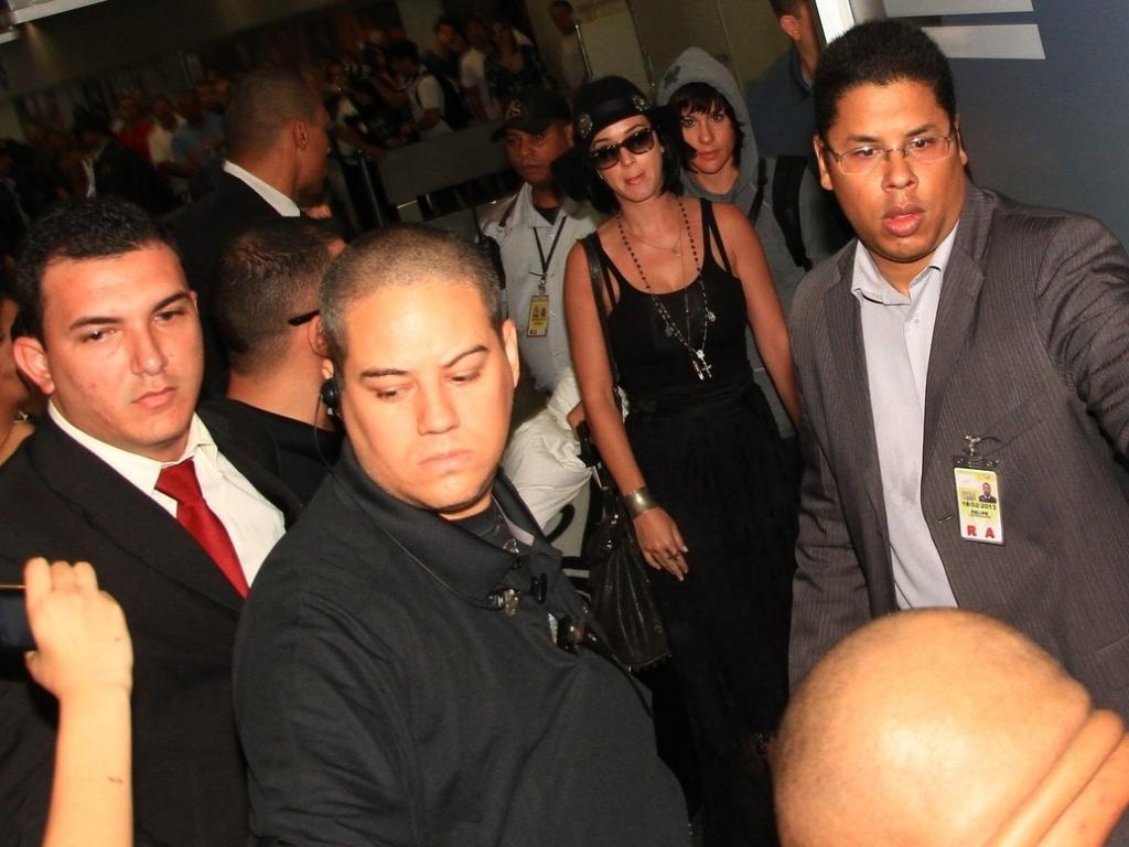 Katy Perry desembarca no Brasil para divulgar filme (29/7/12)