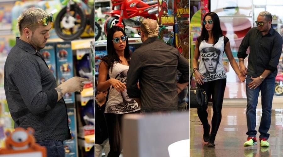 Belo e Gracyanne vão a loja de brinquedos em shopping do Rio de Janeiro (30/7/2012)