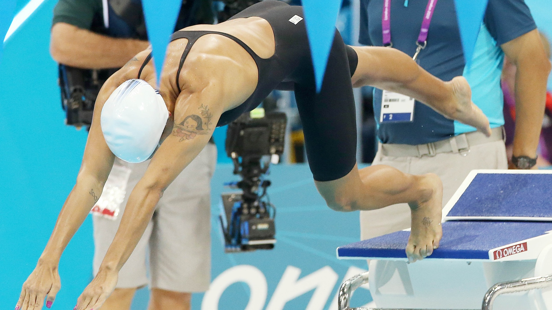 Joanna Maranho competiu nos 200 m medley nesta segunda-feira aps se recuperar do acidente que a deixou fora dos 400 m medley no sbado