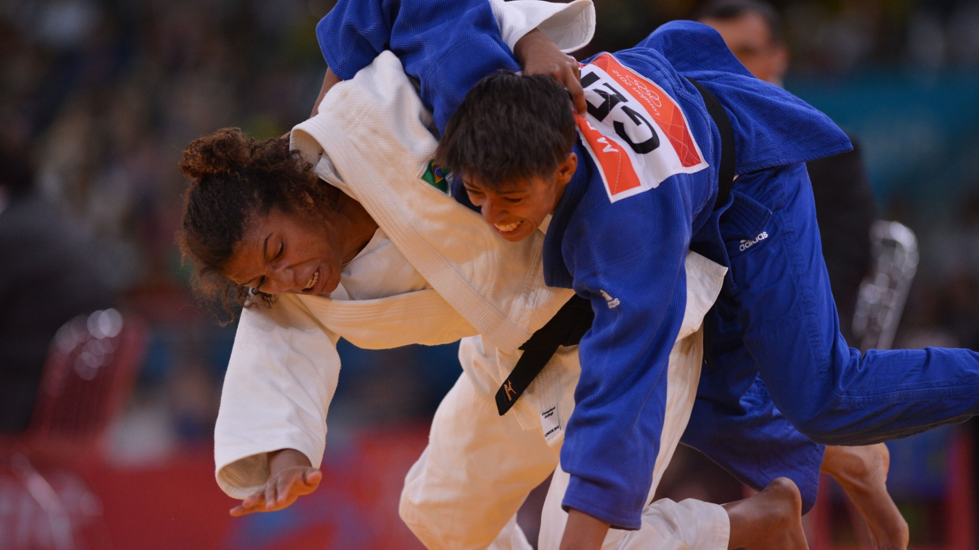 Judoca Rafaela Silva venceu com facilidade a alem Miryam Roper na sua estreia na categoria at 57 kg