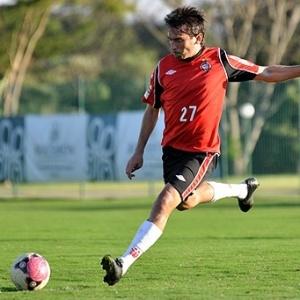 Meia Martin Liguera do Atlético-PR em treinamento em Atibaia (29/07/2012)