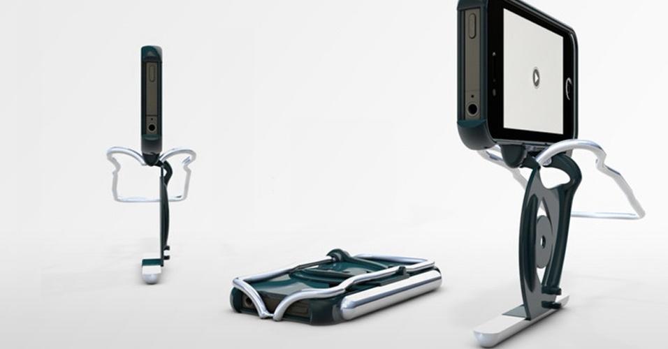 31.7.2012 - Para quem gosta de tirar fotos e fazer vídeos com o iPhone, essa capa meio ao estilo ''Transformer'' vira uma espécie de minitripé para apoiar o aparelho e evitar imagens tremidas. O único problema é que ela aumenta em 35% o peso do smartphone. A Stabil-i Case procura financiamento no Kickstarter. Se tudo der certo, custará US$ 40