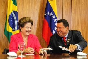 Os presidentes do Brasil e Venezuela, Dilma e Chávez