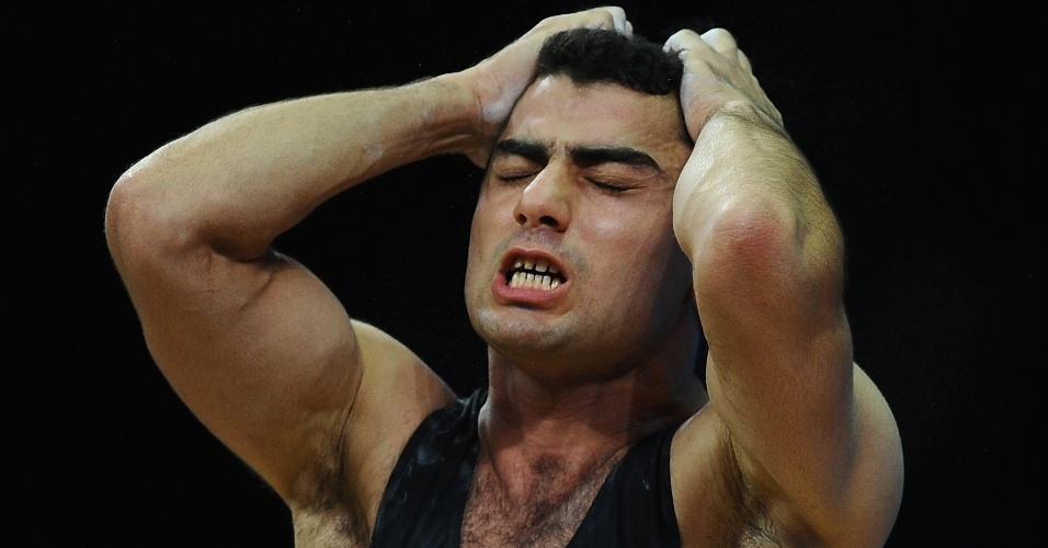 Arakel Mirzoyan, da Armênia, lamenta falha no levantamento de peso