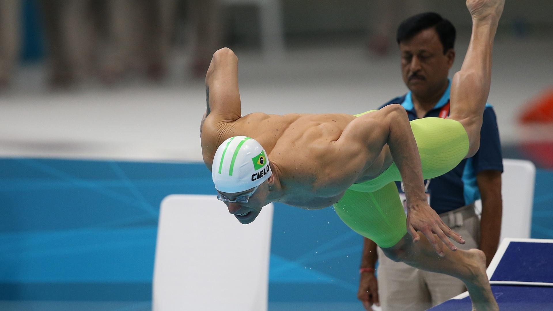 Cesar Cielo fez o décimo melhor tempo e avançou com tranquilidade à semifinal dos 100 m livre
