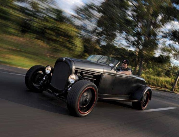 Roadster de 1928 recebe visual marcante da moto custom Night Rod Special