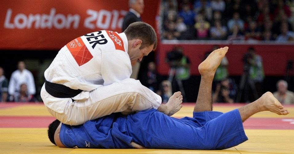 Judoca alemão Ole Bischof enfrenta o japonês Takahiro Nakai em luta da categoria até 81kg na Olimpíada de Londres (31/07/2012)