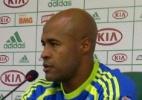 Problemas físicos: Bola parada vira vilã para joelho de Marcos Assunção