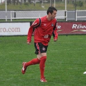 Meia Elias treina em Curitiba para ficar à disposição do Atlético-PR contra o São Caetano (30/07/2012)
