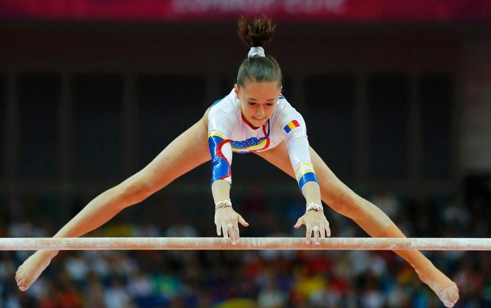 http://imguol.com/2012/07/31/romena-larisa-andreea-iordache-faz-um-movimento-de-largada-durante-sua-apresentacao-nas-barras-assimetricas-durante-a-final-feminina-por-equipes-da-ginastica-artistica-1343754583816_956x600.jpg