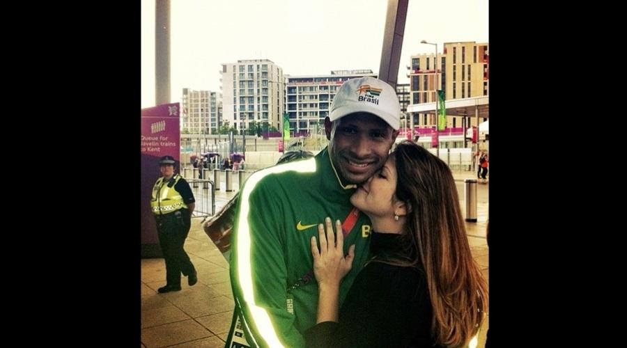 Samara Felippo divulgou imagem abraçada ao marido, o jogador de basquete Leandrinho (31/7/12)