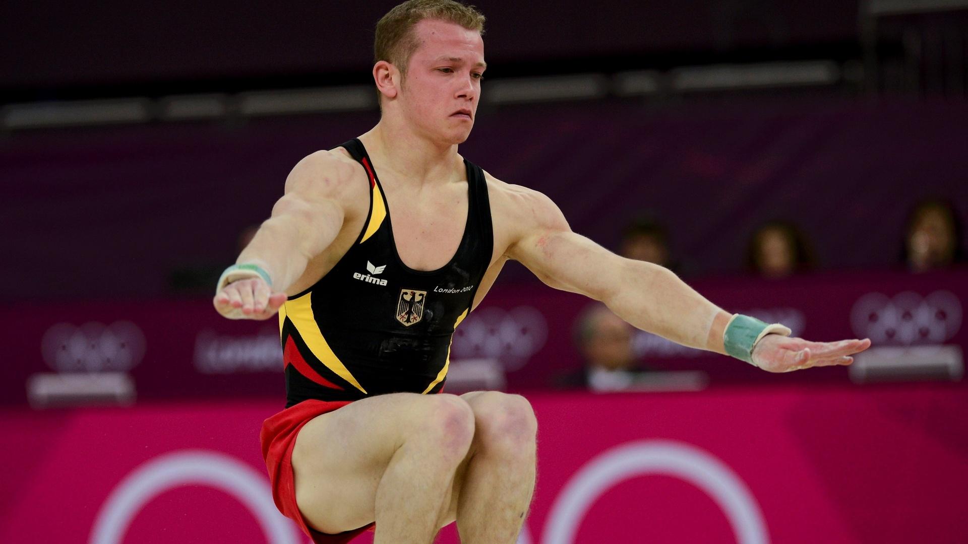 Alemão Fabian Hambuchen se apresenta no solo na final individual geral da ginástica artística em Londres