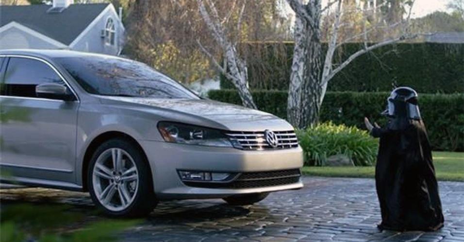 Aposta na publicidade criativa: o grupo VW tem investido pesado em propagandas que realçam características fortes de alguns carros (vídeo, por exemplo, de um garoto vestido de Darth Vader que acha poder controlar o Passat com a mente foi sucesso mundial)
