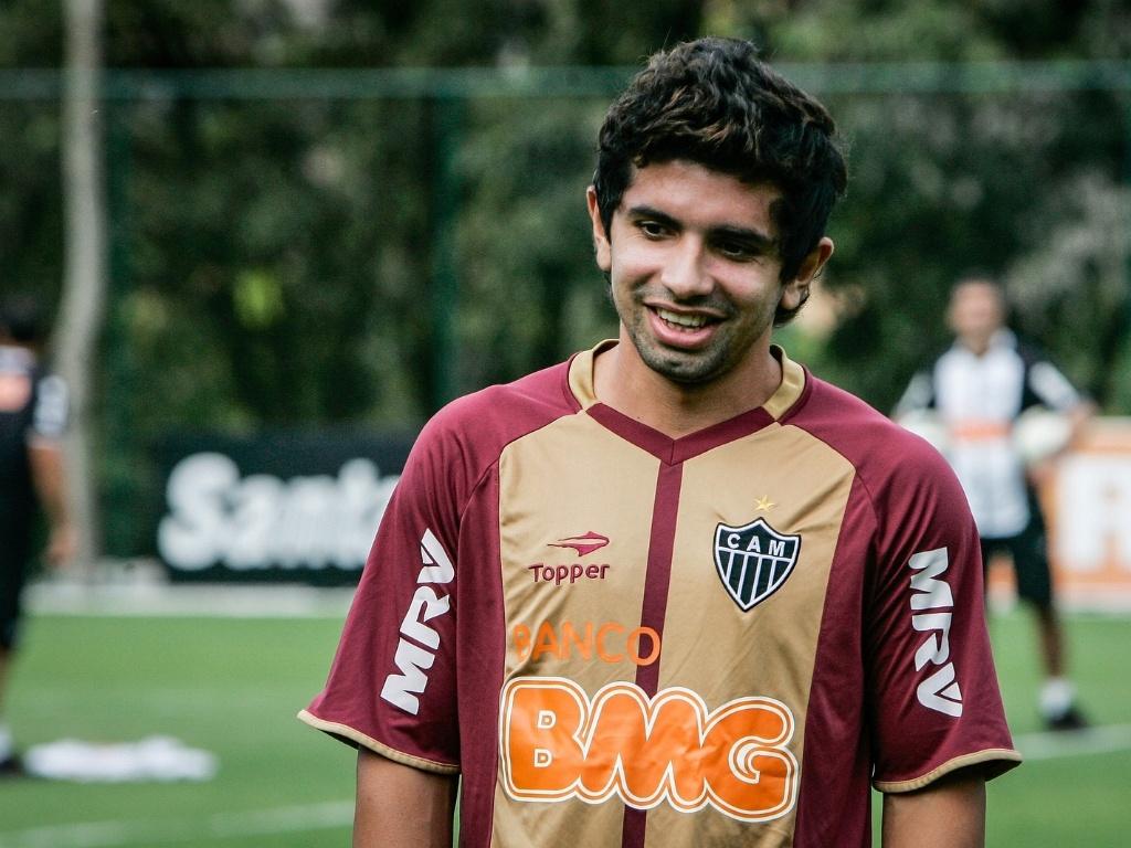 Atacante Guilherme treina no Atlético-MG na Cidade do Galo, em Vespasiano (1/8/2012)