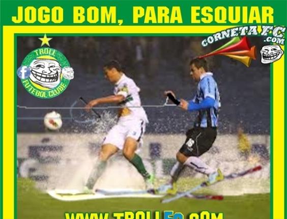 Corneta FC: Chuva forte atrapalha jogo da Sulamericana