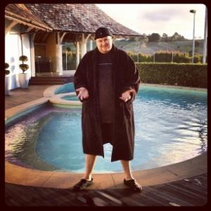 Kim Dotcom, fundador do Megaupload, posta foto em sua mansão na Nova Zelândia