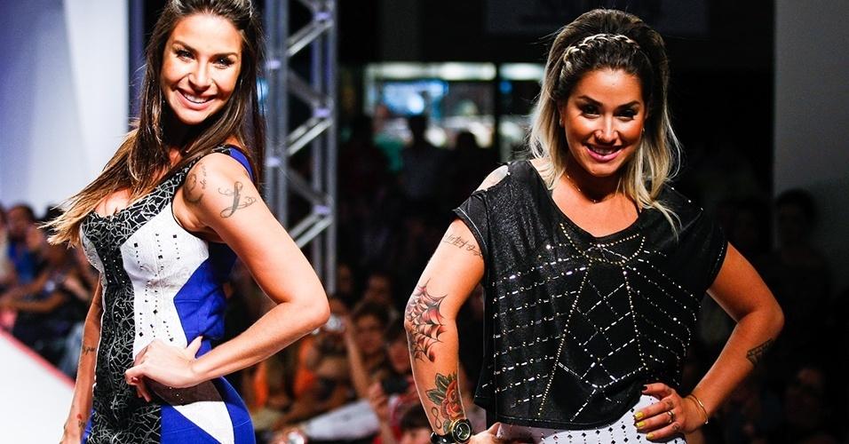 Lisi Benitez (esq.) e Dani Bolina desfilam para a marca 3ª Visão no Mega Polo Moda, em São Paulo (1º/08/2012)