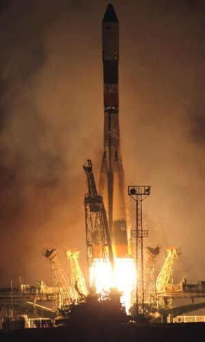 2.ago.2012 - Foguete russo Soyuz U &#233; lan&#231;ado de Baikonur, no Cazaquist&#227;o, com suprimentos para a Esta&#231;&#227;o Espacial Internacional (ISS, na sigla em Ingl&#234;s), nesta quinta-feira (2)