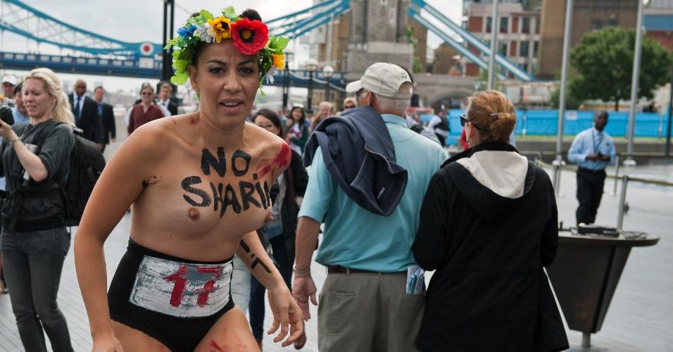 As mulheres do grupo Fêmen fizeram nesta quinta-feira seu primeiro protesto em Londres desde que os Jogos Olímpicos começaram (02/08/2012)