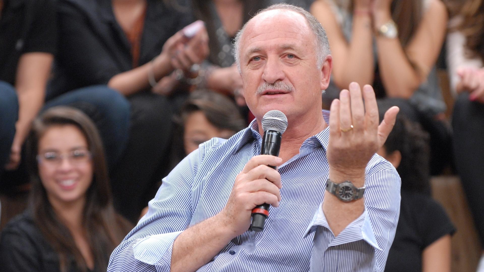 Felipão dá entrevistas para o programa Altas Horas