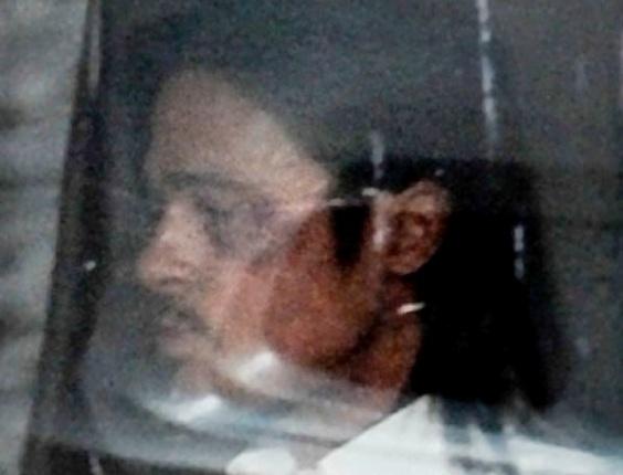 """O ator Brad Pitt é fotografado com o olho roxo no set de filmagens de seu novo filme, """"The Counselor"""", dirigido por Ridley Scott, em Londres. O ator faz um traficante de drogas no longa (1/8/12)"""