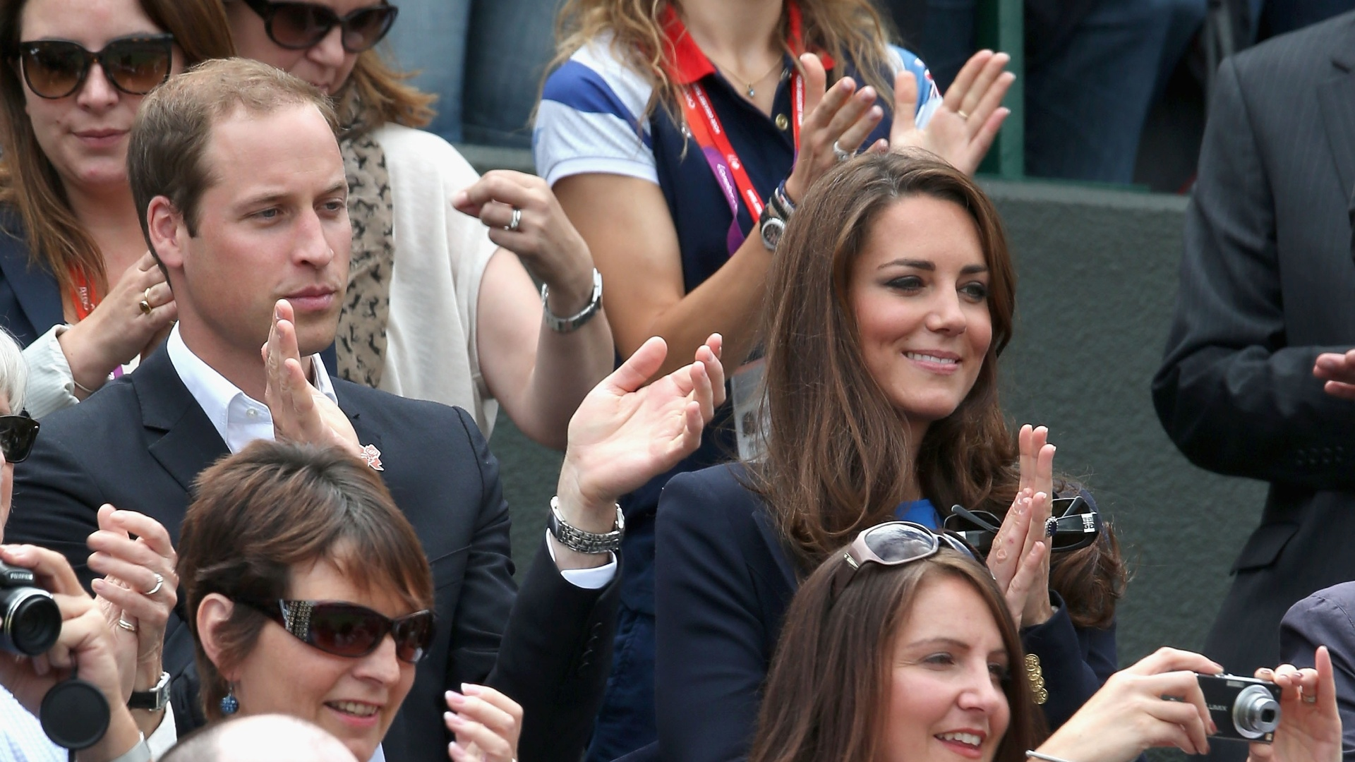 Príncipe William e sua esposa Kate prestigiam vitória de Andy Murray nas quartas de final