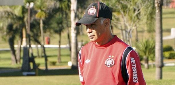 Técnico Jorginho do Atlético-PR durante treinamento (Arquivo)
