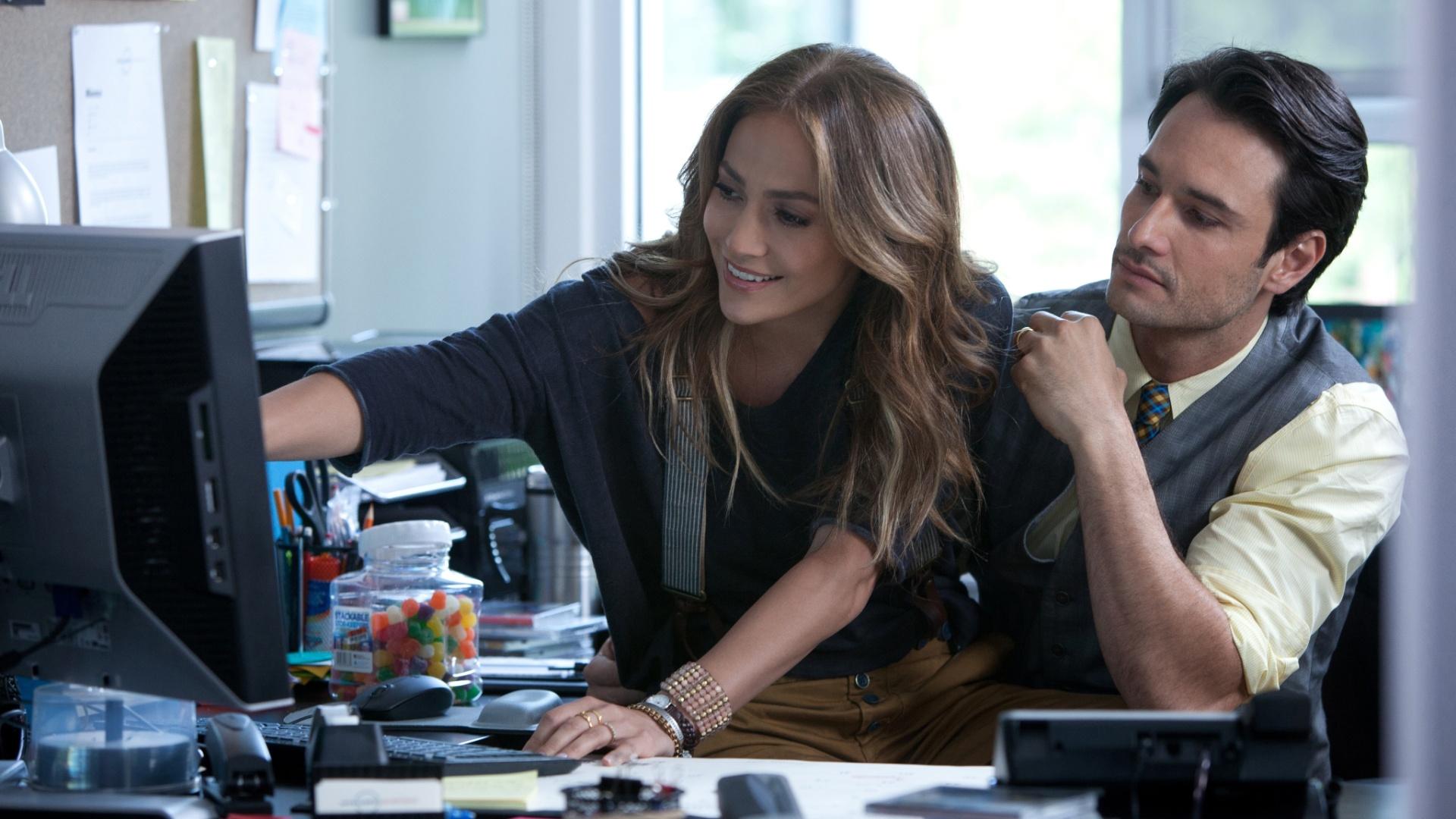 Jennifer Lopez e Rodrigo Santoro vivem um casal que deseja adotar um filho