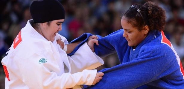 Judoca saudita Wojdan Ali Seraj Abdulrahim Shaherkani quebrou um tabu mas foi derrotada em 1min22s