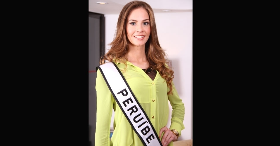 Miss Peru&#237;be, Amanda Stachera, 23