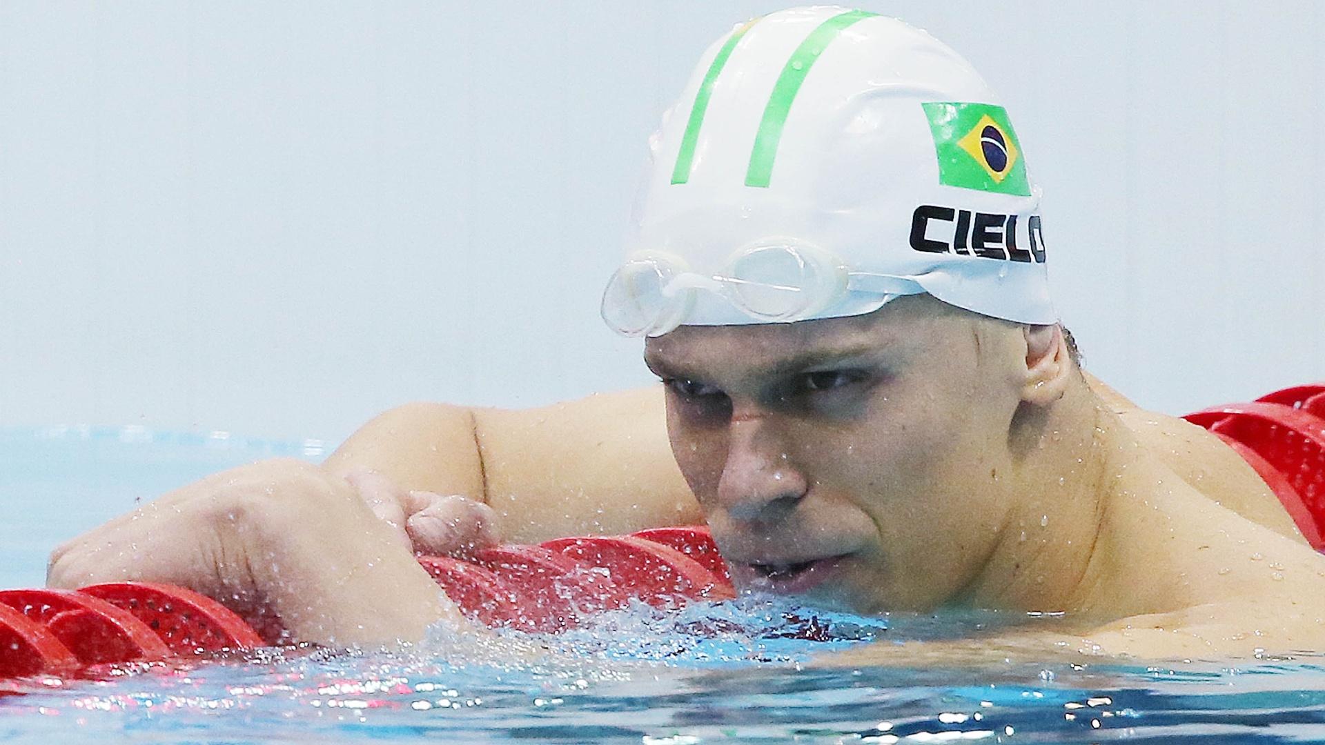 Nadador brasileiro Cesar Cielo após terminar a prova dos 50 metros livres na terceira colocação nos Jogos Olímpicos de Londres
