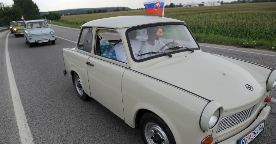4.ago.2012 - Encontro internacional de motoristas de Trabant em Piestany, na Eslov&#225;quia