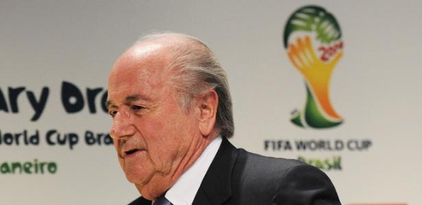 """""""As obras serão mais caras que o previsto, mas serão concluídas"""", diz Blatter"""