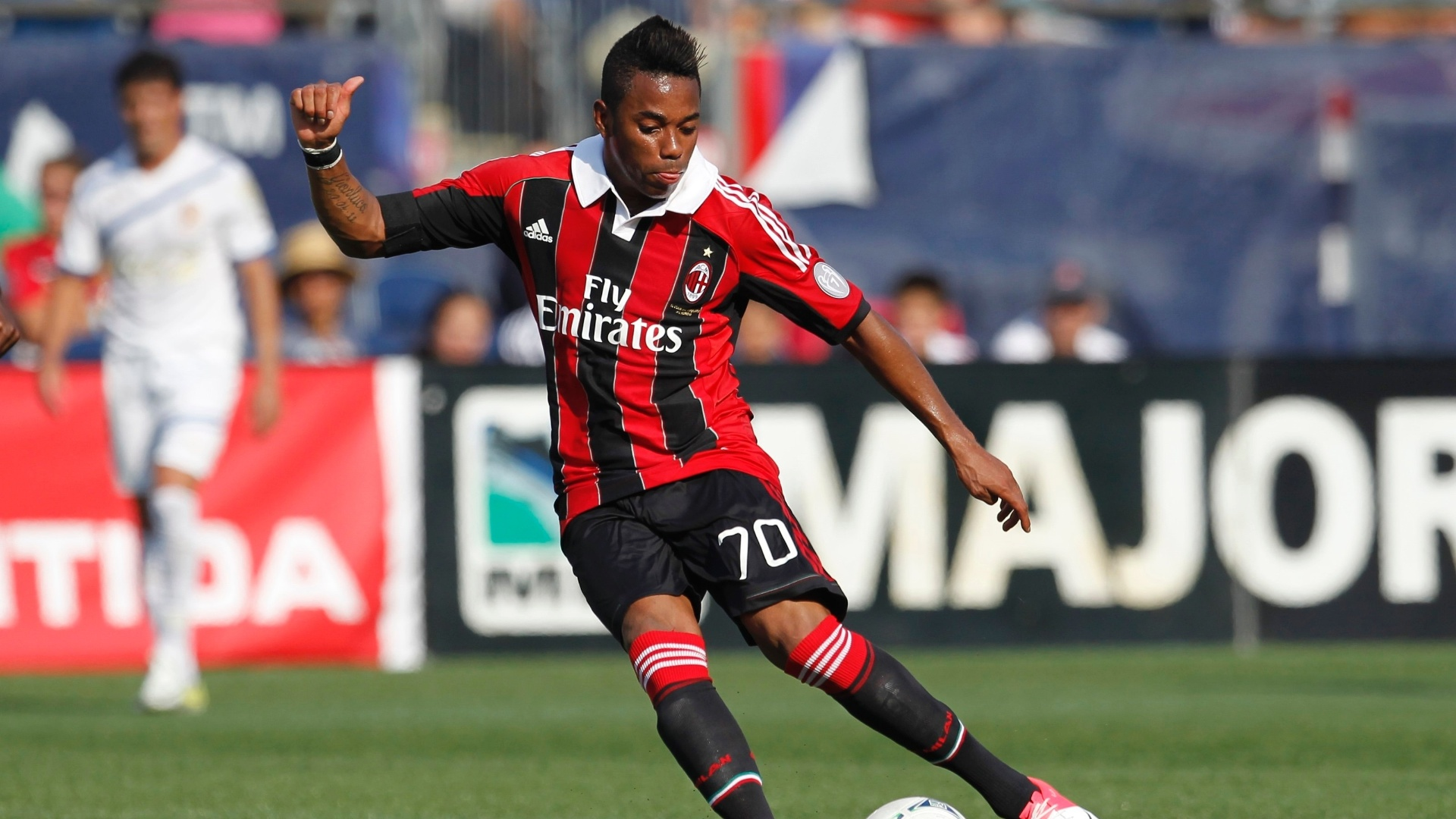 Robinho marcou um gol na vitria do Milan sobre o Olimpia, de Honduras