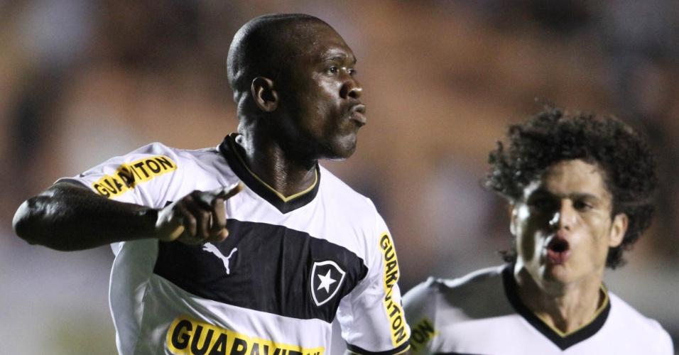 Seedorf, meia do Botafogo, comemora seu primeiro gol pelo time carioca em partida contra o Atlético-GO, pelo Brasileiro (04/08/2012)